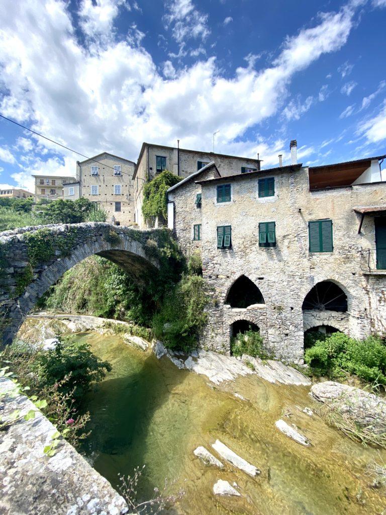 Il ponte che da Dolcedo porta a Ripalta