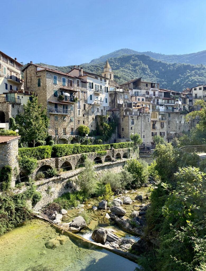 laghetti di Rocchetta Nervina: il borgo